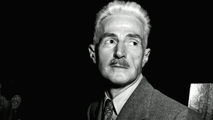 "In this Nov. 7, 1947 file photo, novelist Dashiell Hammett, author of ""The Maltese Falcon"" and ""The Thin Man,"" appears in New York. A literary treasure trove of Hammett's work is finding a home at the University of South Carolina. It is the largest collection known of letters, photos, publications and books by the Hammett and will be available to scholars and students within the year. (AP Photo)"